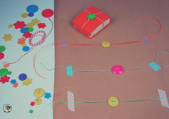Geschenkpapier selbermachen. Mit Knöpfen verzieren! www.hallobloggi.de