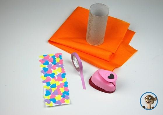 Ich zeige Euch hier eine weitere Variante wie man aus einer Klopapierrolle eine schöne Geschenkverpackung zaubert! www.hallobloggi.de