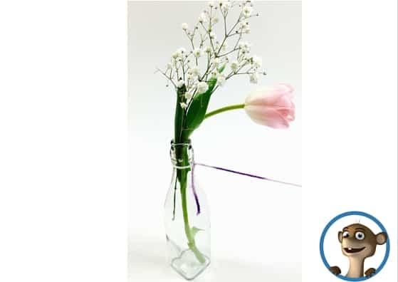Vase aus Glas mit Wolle. Mehr dazu auf dem Kinderblog www.hallobloggi.de