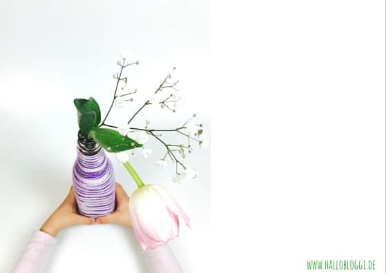 Aus alt mach neu! Wir basteln eine Vase mit Wolle. www.hallobloggi.de