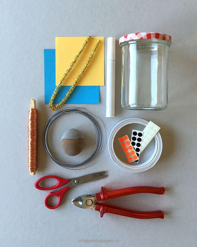 Material für ein DIY Aquarium mit Kindern basteln. Mehr auf www.hallobloggi.de